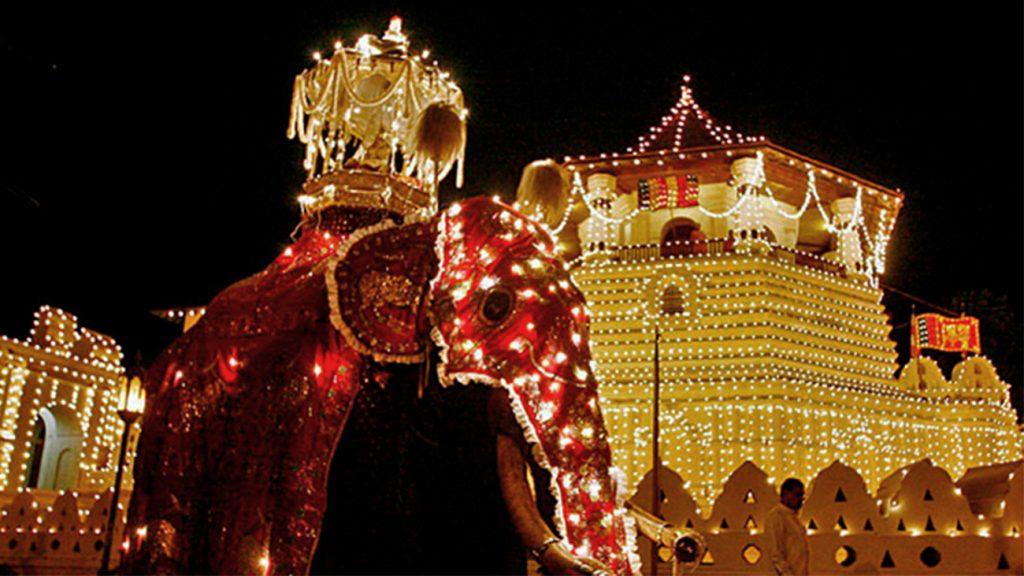 Le festival Esala Perahera à Kandy