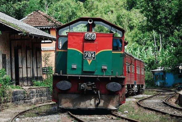 train Sri lankais